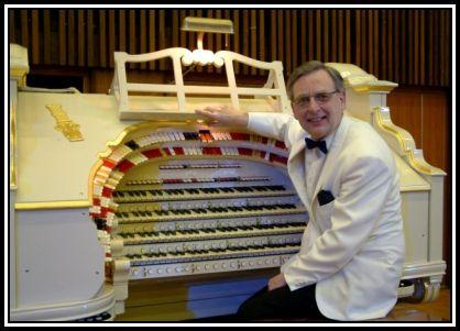 Len Rawle Christmas Show on the Woking Wurlitzer